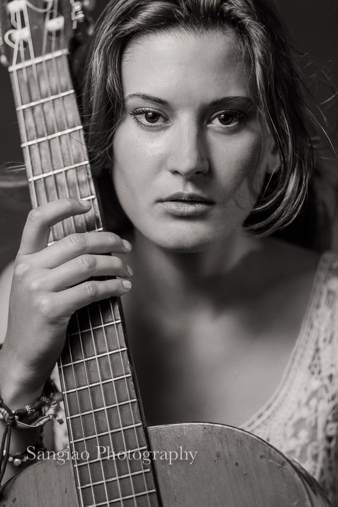 Boudoir foto transparencias con guitarra Madrid