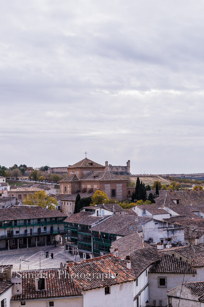 vista de la plaza de chinchón madrid fotografía
